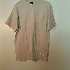 Hanes beefy men's t-shirt brand new